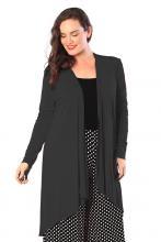 Musta pitkä takki