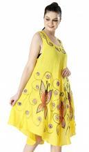 Keltainen mekko perhosilla