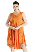 Oranssi mekko perhosilla