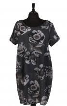 Kolsvart-blommig klänning